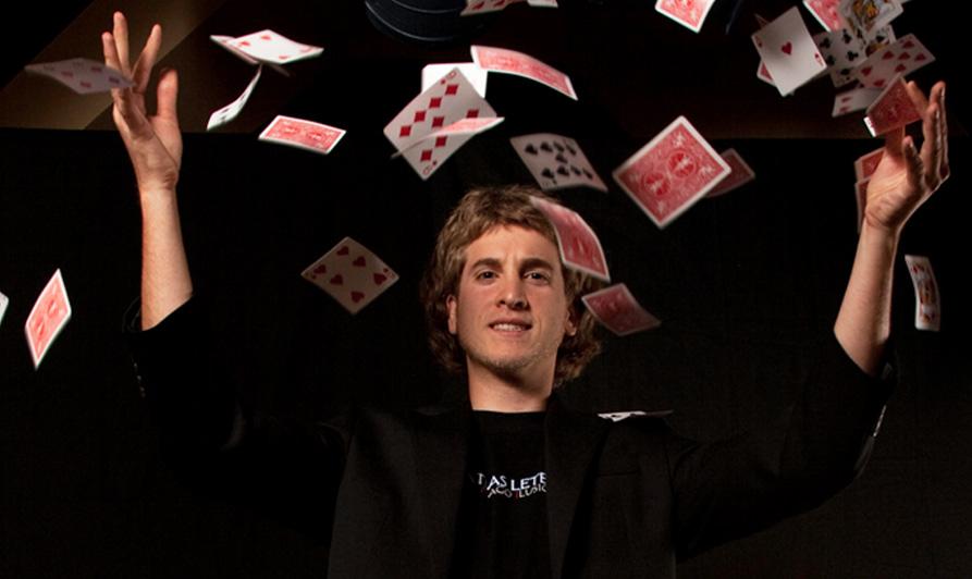 Magician Matias Letelier